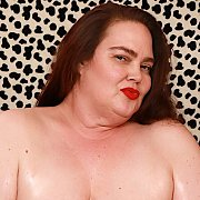 Horny BBW Darling Geisha Gets Naked For You