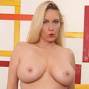 Sexy Mature Slut Cala Craves Shows Her Tits And Pussy