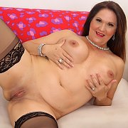 Horny Mature Woman Laylani Wood Shows It All