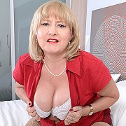 Curvy British Housewife with Lorna Blu