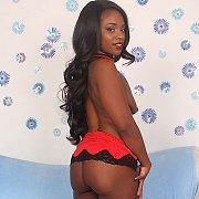 Ebony Slut Shows Her Juicy Tits N Dark Pussy with Trazcy Kush