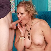 Mature Slut Gets Her Pussy Drilled with Kelly Leigh
