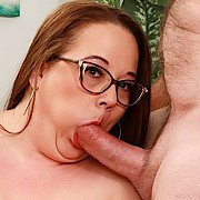 Sexy N Hot Plumper Gets Her Pussy Reamed with Jessica Lust