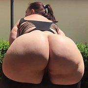 Big Booty Bounce Outside with Mia Sweetheart