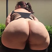 Big Booty Bounce Outside with Mia Sweetheart