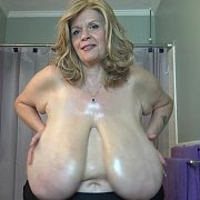 Wet Oily Jiggly Big Tits with Suzie Q