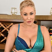 Beautiful Short Haired MILF with Ryan Keely