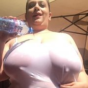 Wet T Shirt Big Tits with Mia Sweetheart
