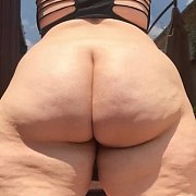 Big Booty Wobble and Bounce with Mia Sweetheart