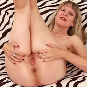Mature Slut Gets Naked with Jamie Foster