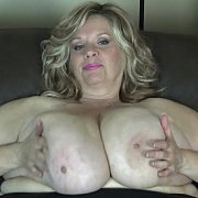 Extreme Boob Clapping with Suzie Q