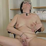 Mature Housewife with Ozzy Q