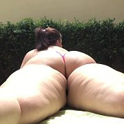 Soft Swollen Ass Jiggling with Mia Sweetheart