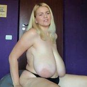 Yoga Ball Boob Bouncing with Erin Star