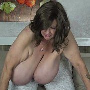 Loud Clapping and Flopping Tits with Suzie Q