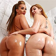 Shower Time with Sara Jay, Richelle Ryan