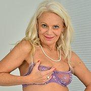 Mature Blonde with Jynn Daor