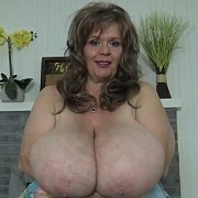 Dreamie Longer Tits with Suzie Q