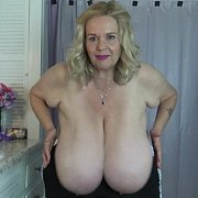 Lotion on Jiggling Tits with Suzie Q