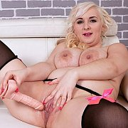 A Breast Paradise with Lola Paradise