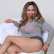 Curvy Latina with Roxy Rocks