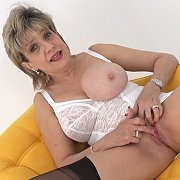 Auntie Needs Mutual Masturbation with Lady Sonia