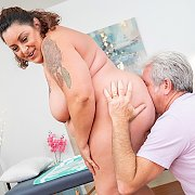 Sexy Brunette BBW Milf Enjoys Pussy Massage with Lacy Bangs