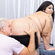 Fat N Sexy BBW Enjoys A Pussy Massage with Crystal Blue