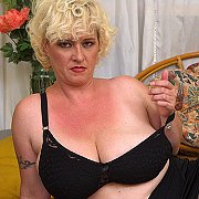 Curvy Big Breasted Cougar Playing With Herself with Agness
