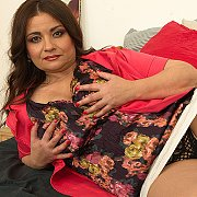 Curvy Milf Playing With Her Pussy with Suzzane
