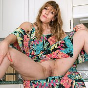 Horny MILF with Scarlet Rose