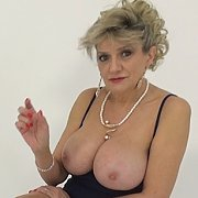 Milf Teasing The Wanker with Lady Sonia