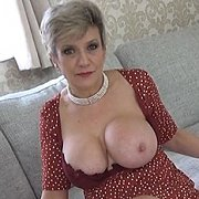 Surfing Big Tit Milf Porn For Your Wank with Lady Sonia