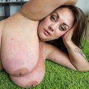 Wet Pussy Big Tits with Nila Mason