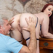Sexy Plumper Enjoys A Pussy Pounding with Andi Ray