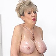 Big Milf Tits Covered In Oil Live Stream with Lady Sonia