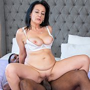 Black Handyman Brings His Big Tool with Lady Masha